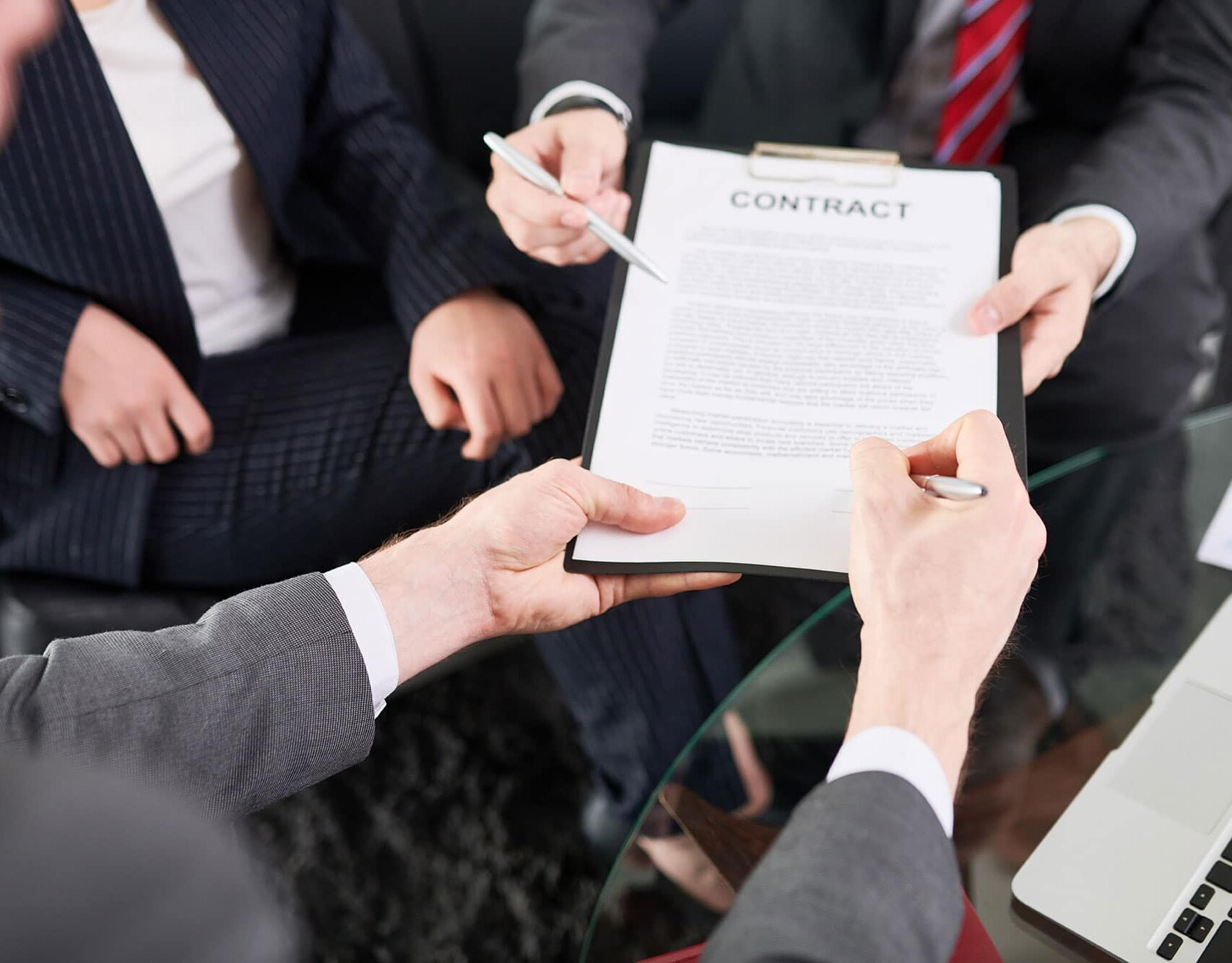 signing-a-contract-U4HYX7B